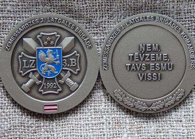 Monēta (vecināts melhiors, ieklāta metāla krāsa)