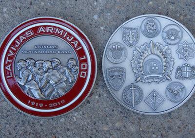 Medaljons (vecināts melhiors, ieklāta metāla krāsa)