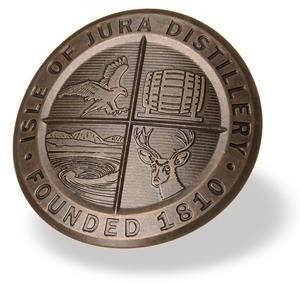 Zīmola etiķete, bronzas, oksidēta/ēnota, matēta ar smilšu strūklu
